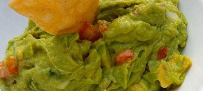 Recept na guacamole s kukuřicí